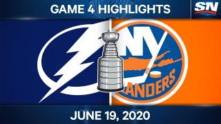 Islanders hold on to even up series with Lightning