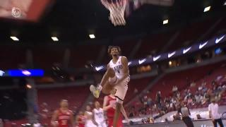 Blazers' Brown channels his inner Vince Carter, throws down dunk of Summer League