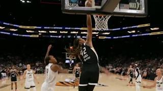 Brittney Griner throws down dunk against Sky